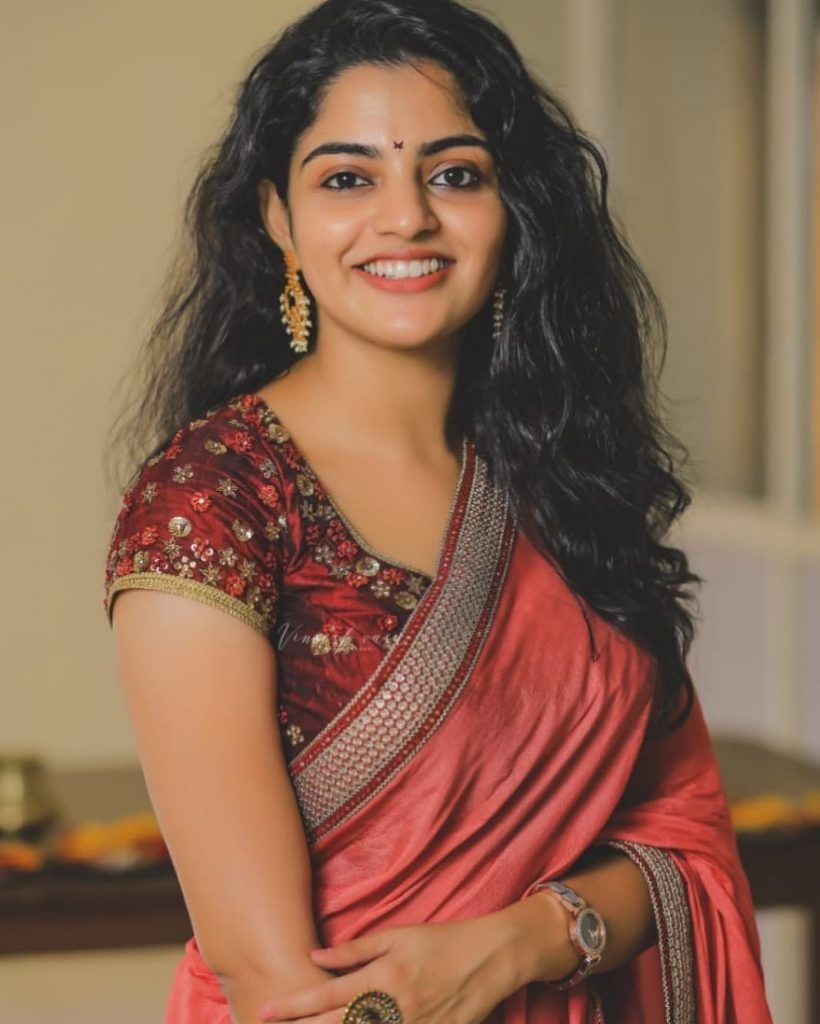 Sexy Actress Nikhila Vimal